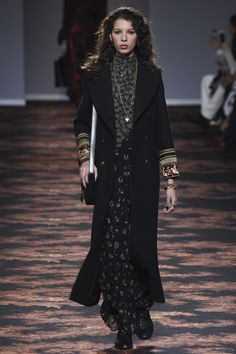 Etro Fall 2016 Ready-to-Wear Fashion Show http://www.theclosetfeminist.ca/ http://www.vogue.com/fashion-shows/fall-2016-ready-to-wear/etro/slideshow/collection#16