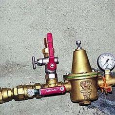 Un robinet d'arrêt d'eau