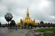Pha That Luang (Paa T-had Lu-uang) (Great Stupa in Lao) is a Buddhist stupa in Vientiane, Laos. It was built in the 16th century under King Setthathirat on the ruins of an earlier 13th century Khmer temple, which the Lao believe was in turn built on  http://mozaikvoyages.com  http://mozaikvoyages.com/voyages-laos
