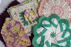 vintage pot holders vintage hand crafted crochet kitchen pot holders set of 4 vintage linens retro kitchen wares