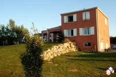 Votre achat immobilier entre particuliers réalisé dans le Tarn avec cette villa de Montgaillard http://www.partenaire-europeen.fr/Actualites/Achat-Vente-entre-particuliers/Immobilier-maisons-a-decouvrir/Maisons-entre-particuliers-en-Midi-Pyrenees/Maison-F7-recente-prix-en-baisse-vue-imprenable-portail-electrique-ID2826370-20151118 #maison
