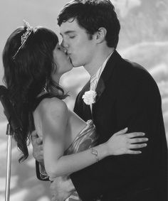 Seth Cohen (Adam Brody) and Summer Roberts (Rachel Bilson), The O.C.