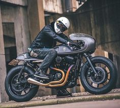 Say hello to this lovely sporty cafe racer built by @roughcrafts via @motorcyclecafe by elegant_apparatus http://ift.tt/20QUK0W