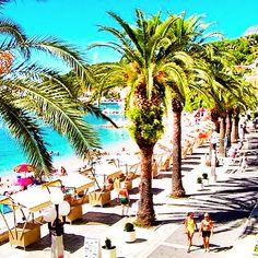 Split beach boardwalk. Wow!