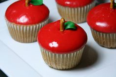 apple cupcakes. good for the start of school (or a sleeping beauty themed birthday party)