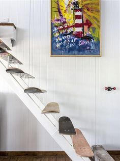 The deco idea of Saturday: a staircase with skateboards! - Trendy Home Decorations Skateboard Decor, Skateboard Furniture, Skateboard Design, Room Ideas Bedroom, Bedroom Decor, Aesthetic Rooms, Deco Furniture, Plywood Furniture, Home And Deco