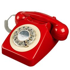 Retro Telephone in English Mustard. Our brand new Retro Phone in Mustard is a quintessential British retro telephone and style icon. Yellow Home Decor, Retro Home Decor, British Home Decor, General Post Office, Retro Phone, Vintage Phones, Deco Originale, Style Retro, Vintage Style