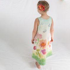 Merino Wool and Silk Felt Dress for girl. Felting Tutorials, Girls Dresses, Summer Dresses, Wet Felting, Unique Colors, Wool Felt, Merino Wool, Girl Outfits, Pdf