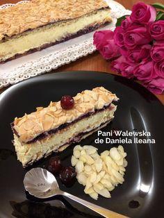 Prăjitura Pani Walewska cu bezea, cremă de vanilie și gem de fructe de pădure | Savori Urbane Dessert Recipes, Desserts, Tiramisu, Ice Cream, Homemade, Creative Art, Ethnic Recipes, Cakes, Food