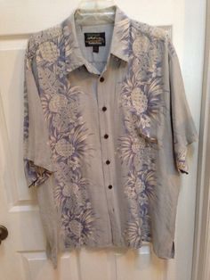 93bda4f7 Hawaiian Reserve Men's XL Blue Pineapples Hawaiian 100% silk Short sleeve  Shirt… Mens Hawaiian
