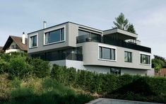 Exklusives und modernes Mehrfamilienhaus Mansions, House Styles, Home Decor, Projects, Decoration Home, Manor Houses, Room Decor, Villas, Mansion