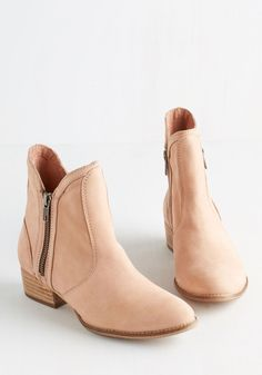 Seychelles Seychelles Lucky Penny Bootie in Soft Pink