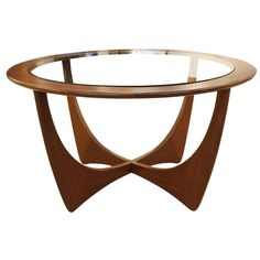 Italian Mid-Century Wood Coffee Table | See more antique and modern Coffee and Cocktail Tables at https://www.1stdibs.com/furniture/tables/coffee-tables-cocktail-tables