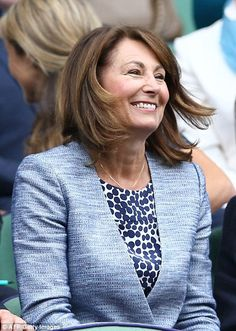 Carole, recycled an old Jaeger dress that she first wore to Prince George's first birthday as she joined her husband Michael and Camilla, Duchess of Cornwall in the Royal Box at Wimbledon. Kate Middleton Family, Carole Middleton, Duchess Of Cornwall, Duchess Of Cambridge, Duchess Kate, Duke And Duchess, Pippa And James, Taylor Swift Outfits, Kate Hudson