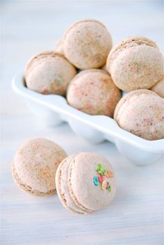 Fruity Pebble Macaroons. I love fruity pebbles and I love macaroons! Don't know if I will ever be able to make these but maybe one day.