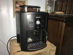 KRUPS espresseria automatic serie EA80 EA81 - Yahoo Image Search Results Espresso Machine, Image Search, Coffee Maker, Kitchen Appliances, Home, Espresso Maker, Diy Kitchen Appliances, Home Appliances, Drip Coffee Maker