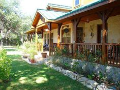 Country Ranch Homes Sealy Texas | texas hill country realtors | Hill Country Traveling