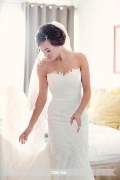 Vestido de novia Pronovias modelo Urdiel disponible en la tienda de novias De Novia a Novia. San José, Costa Rica.                                                                                                                                                                                 Más