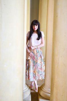 SUKŇA Z ORGANZY_Katharine-fashion is beautiful_Sukňa_Organza_Katarína Jakubčová_Fashion blogger #midi  #pink #rose #spring #summer #floral #organza #outfit #ootd #outfitoftheday #lookoftheday #outfitpost #FashionBlog #Blogger #slovakfashionblog #whattowear #katharine #fashionisbeautiful #chic #skirt #inspiration