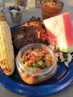 Mason jar for beans! How creative!  I am leaning towards bbq for the wedding : )