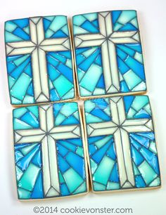 Stain glass Cross cookie for a baptism :) About 3 years ago, I originally saw a stunningly gorgeous stain glass cookie made by the amazing CorrieCakes. Edible Cookies, Iced Cookies, Cute Cookies, Easter Cookies, Royal Icing Cookies, Cupcake Cookies, Christmas Cookies, Sugar Cookies, Cupcakes