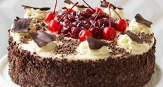 7 Foods You Should Try While in Germany . Bread Cake, Pie Cake, Belgian Food, Fabulous Foods, Cake Cookies, Yummy Cakes, Sweet Treats, Bakery, Good Food