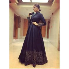 Indian Gowns Dresses, Pakistani Dresses, Indian Party Wear Gowns, Indian Formal Dresses, Designer Gowns, Indian Designer Wear, Indian Designers, Designer Sarees, Trendy Dresses