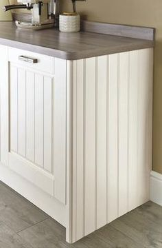 Love the panelled doors Cream And Grey Kitchen, Ivory Kitchen, Country Kitchen, New Kitchen, Kitchen Ideas, Kitchen Stuff, Kitchen Designs, Kitchen Doors, Kitchen Cupboards