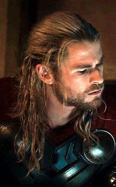 Chris Hemsworth Movies, Chris Hemsworth Thor, Stan Lee, Hemsworth Brothers, Black Widow Natasha, Dc Movies, Loki Thor, Chris Evans, Marvel Cinematic