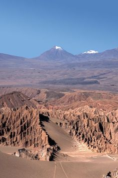 Atacama Desert, Chile, driest desert in the world, and one of the best places to see the stars. Places To Travel, Places To See, Travel Destinations, Beautiful World, Beautiful Places, Amazing Places, Places Around The World, Around The Worlds, Deserts Of The World