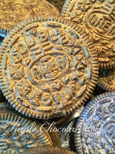 Pirate Treasure - Edible Oreo Coins - Purple Chocolat Home Pirate Day, Pirate Birthday, Birthday Boys, Birthday Ideas, Pirate Snacks, Pirate Themed Food, Decoration Pirate, Pirate Party Decorations, Homemade Pirate Costumes