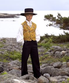 Åmlibunaden - Magasinet BUNAD Folk Costume, Costumes, Norway, Culture, Traditional, Embroidery, Suits, Clothing, Dresses