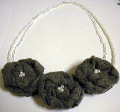 DIY Necklace  : DIY Gray Felt Flower Necklace