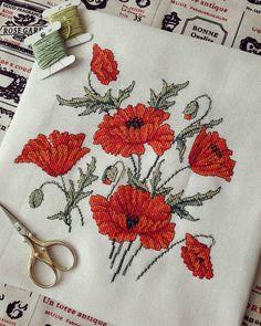 by @mari_stitch⠀ •⠀ Не забывайте, публикация в профиле @krestik_i_kanva бесплатна.⠀ Главное сделать вдохновляющее фото на вышивальную… Small Cross Stitch, Cross Stitch Finishing, Cross Stitch Rose, Cross Stitch Flowers, Cross Stitch Pillow, Cross Stitch Charts, Cross Stitch Designs, Cross Stitch Patterns, Cross Stitching