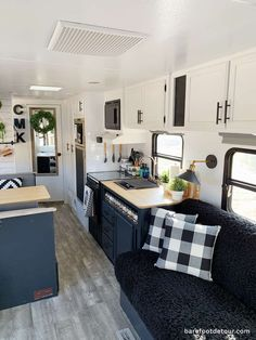 Check out this beautiful farmhouse-inspired RV renovation and read step by step description of everything we considered and also the steps we took for our RV renovation. From the materials we used, the resources we checked, and some tips we picked along the way in our (one month) Camper remodel on a budget! #rvremodel #rvreno #camperreno #camperrenovation #camperremodel #rvrenovation #farmhouserv #farmhousecamper How To Remodel A Camper, Trailer Remodel, Rv Interior Remodel, Camper Renovation, Flagstaff Camper, Trailer Decor, Camper Makeover, Remodeled Campers, Camper Trailers