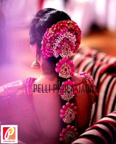 A south Indian bride is incomplete without a beautiful Poo jadai. TBG Bridal Guide Wedding Store, we understand this and believe in delivering the best Poo jadai to all thee TBG Brides.Call/Whats app 9710408986 for more info. South Indian Wedding Hairstyles, Bridal Hairstyle Indian Wedding, Indian Hairstyles, Bride Hairstyles, Wedding Stage Decorations, Hair Decorations, Bridal Hair Flowers, Rose Flowers, Hair Setting
