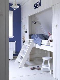 Bekijk de foto van Ietje met als titel Hoogslaper kinderkamer onder schuin dak. en andere inspirerende plaatjes op Welke.nl.