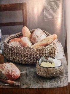 Creatief met touw: mand haken Knit Basket, Rope Basket, Diy Crochet, Crochet Projects, Homemade, Knitting, Country Life, Crocheting, Wool
