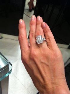 Engagement is one of the most thrilling events. Check the top 10 million dollar diamond rings that are either owned by celebrities. Celebrity Engagement Rings, Halo Engagement Rings, Grace Kelly Engagement Ring, Princess Grace Kelly, Engagement Celebration, Royal Jewelry, Jewellery, Diamond Rings, Diamond Ice