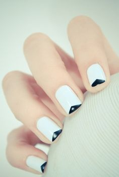 White base with triangular tip in black