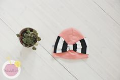 Kaavat ja ompeluohjeet – Mehukekkerit Ribbon, Sandals, Tape, Slide Sandals, Treadmills, Shoes Sandals, Band, Sandal, Bows