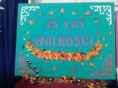 tablica pamiątkowa na wieczornicę - wystarczyło trochę liści