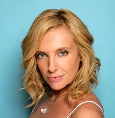 Makes me cry, makes me laugh; plays of every sort of character like it's easy-breezy: Toni Collette.
