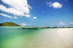 Good morning from Malibu Beach in Koh Phangan.  http://islandinfokohsamui.com