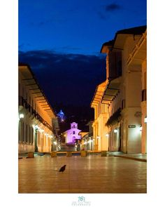 Una hermoso atardecer de #Mu2se  #Popayán #Popayan #Cauca #Colombia #Follow #Sunset #arquitectura #Color #Instalike #Like Opera House, Mansions, House Styles, Building, Instagram Posts, Travel, Colombia, Cities, Architecture