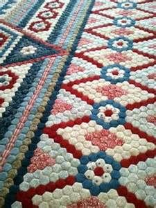 Gum Valley Patchwork - maybe just as a table runner Colchas Quilting, Machine Quilting, Quilting Projects, Quilting Designs, Hexagon Quilt Pattern, Hexagon Patchwork, Quilt Patterns, Border Pattern, English Paper Piecing