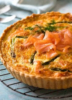 Homemade Salmon Quiche made with smoked salmon cooling on a rack, fresh out of the oven Best Salmon Recipe, Salmon Recipes, Fish Recipes, Seafood Recipes, Cooking Recipes, Easy Quiche Crust, Quiche Crust Recipe, Quiche Recipes, Side Dishes