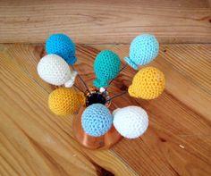 Howling at the moon: Little Crochet Balloons