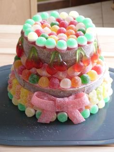 Dessert Bars, Dessert Table, Bar A Bonbon, Candy Cakes, Number Cakes, Candy Bouquet, Candy Making, Candy Gifts, Food Crafts