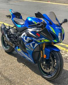 Image may contain: motorcycle and outdoor Suzuki Motos, Suzuki Bikes, Suzuki Hayabusa, Ducati Motorbike, Suzuki Motorcycle, Yamaha, Gsxr 1000, Suzuki Gsx R 1000, Pulsar Motos